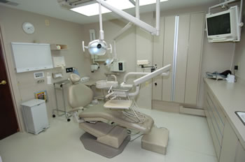 Bethesda MD dentist office surgical room